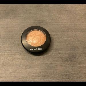 Mac Cosmetics - Mineralize Skinfinish